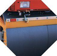FELASTEC® - Abstreifer an einer Straßenwalze